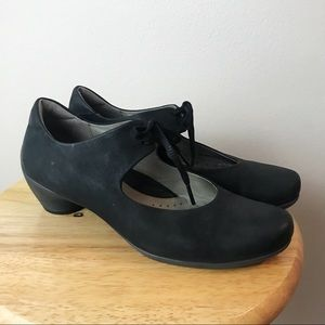 Ecco Mary Jane Lace Tie Pump Leather Heels